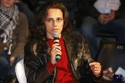 Antes de desistir da política devemos investir nela, diz Luciana Veiga